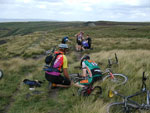 Amazing picture of two totally separate goups of riders suffer a rear mech failer on Saddleworth Moor.